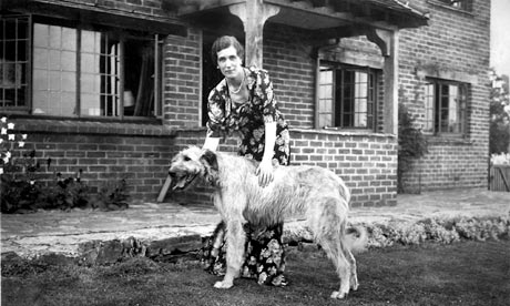 Georgette-Heyer-at-home-w-007
